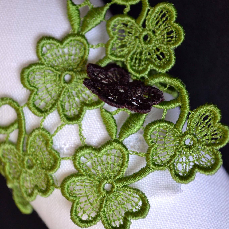 Trefoil Lace Napkin Ring