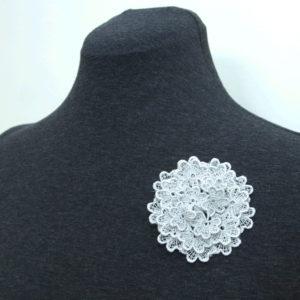 Trefoil Lace Brooch in Silver Grey