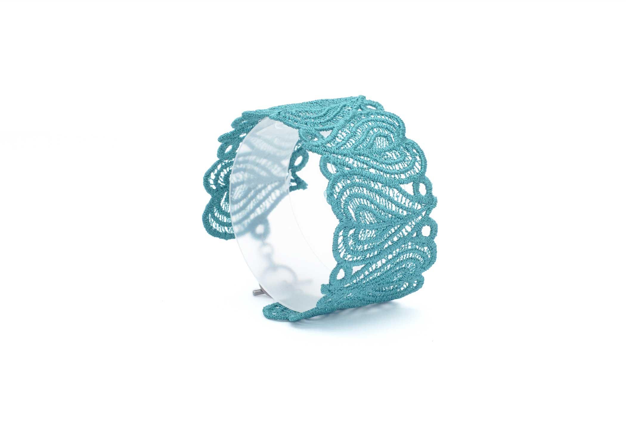 Lace-Cuff-C4-Emerald