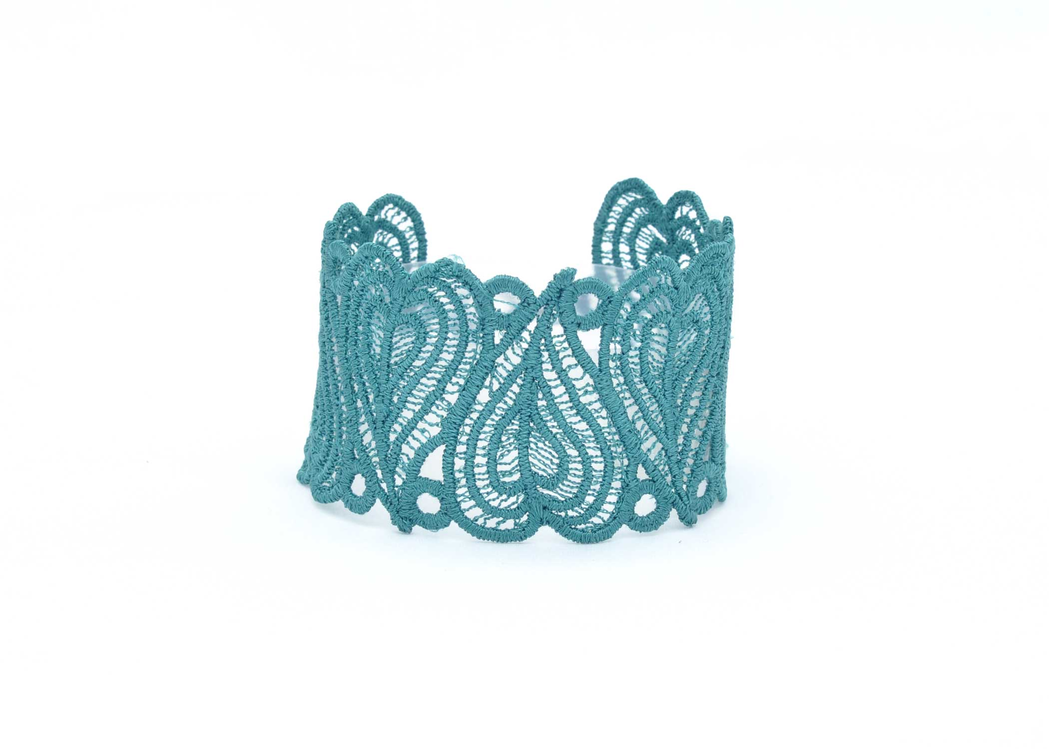 Lace-Cuff-C4-front-Emerald