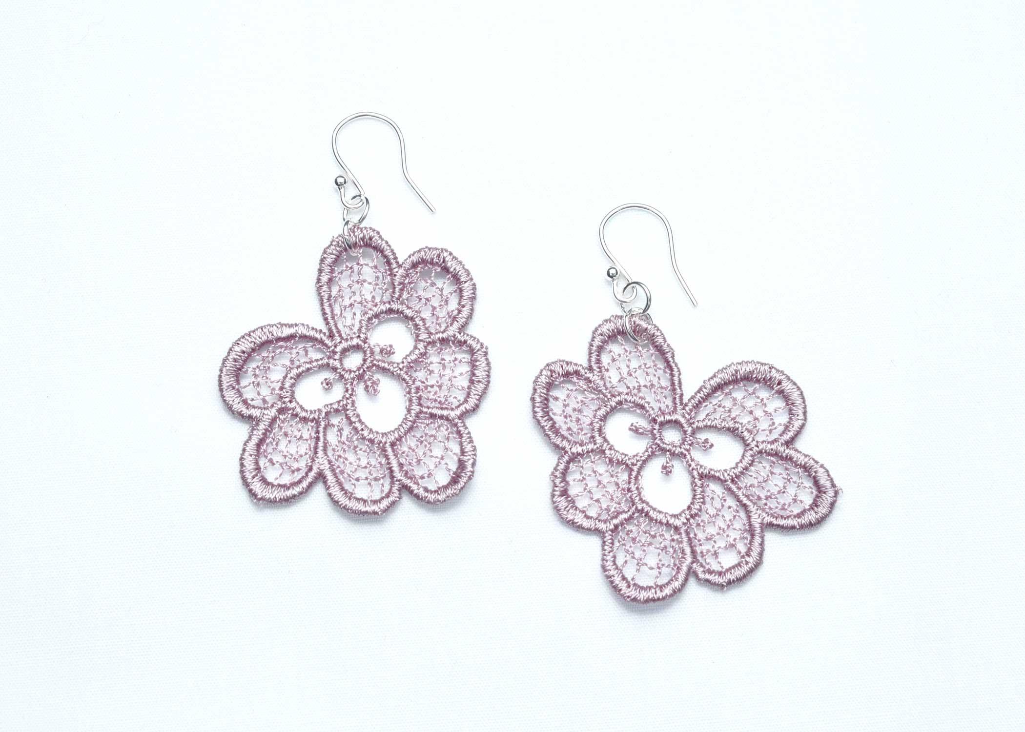 Lace-Earring-E3-Grey-Lilac