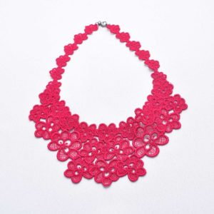 NL8 Neck Lace Raspberry