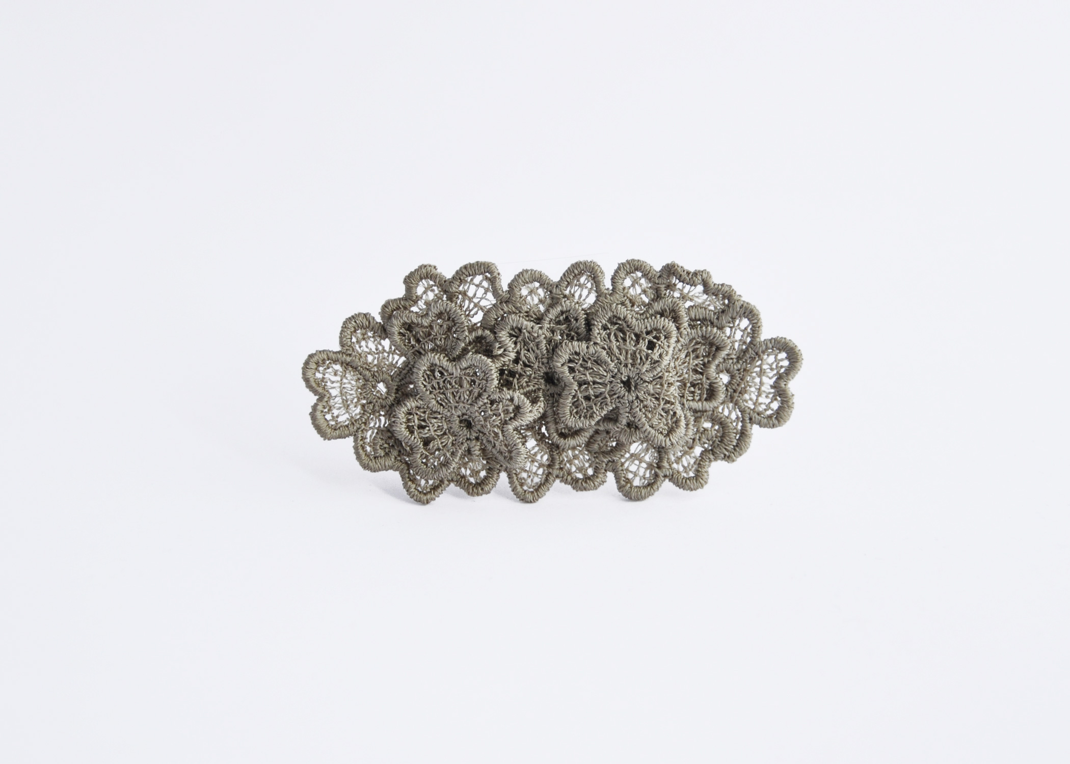 Oval Lace Brooch Gold Green