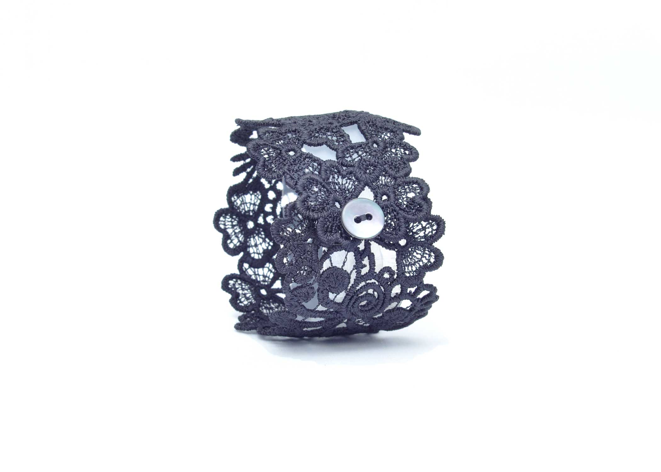 Lace-Cuff-C1-Soft-Black
