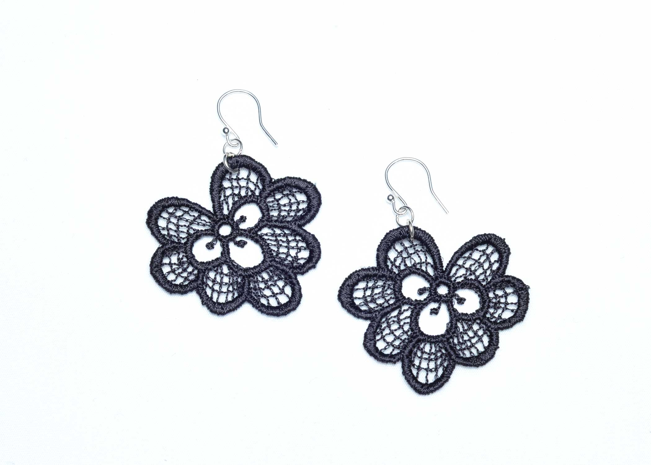 Lace-Earring-E3-Soft-Black