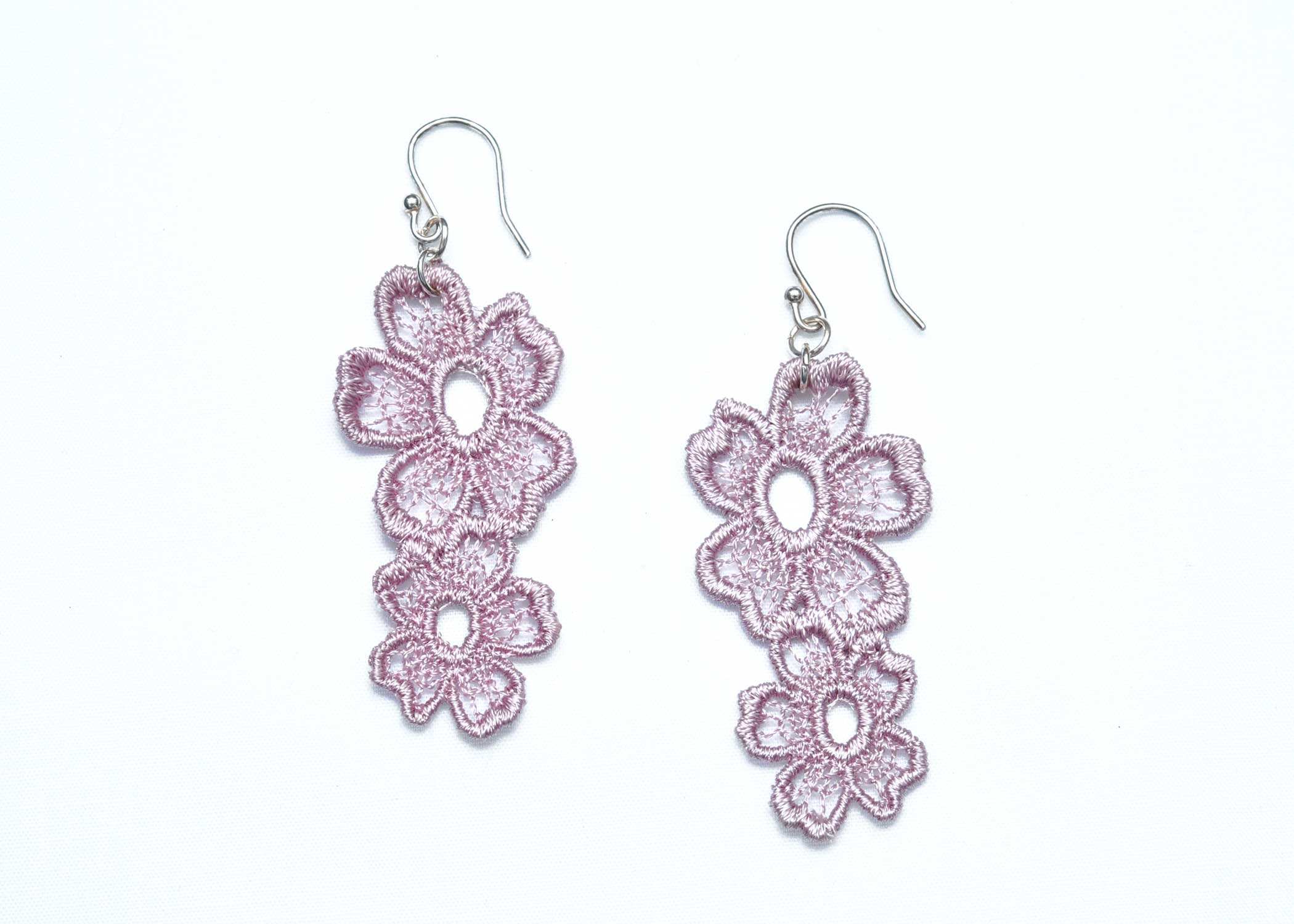 Lace-Earring-E7-Grey-Lilac