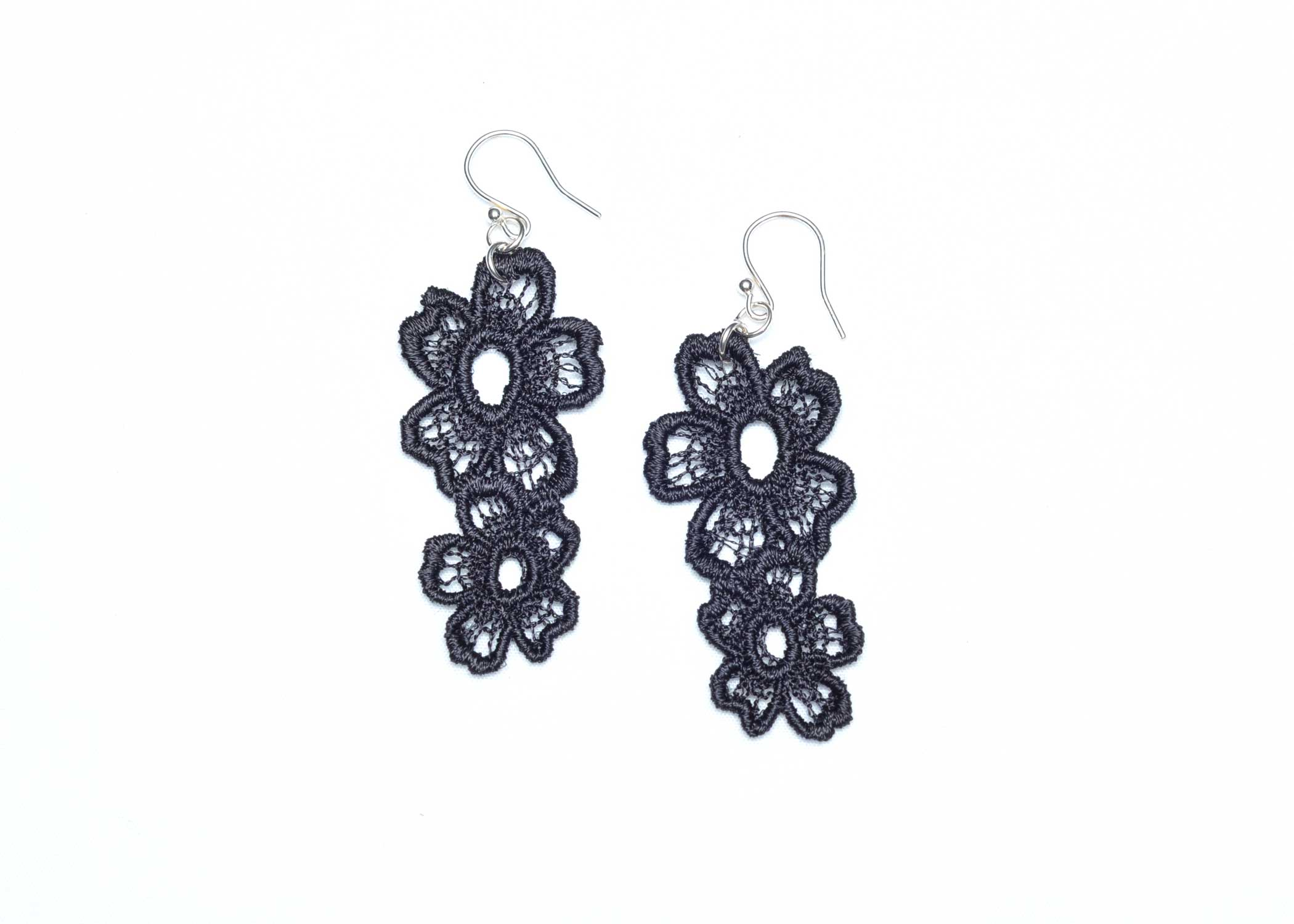 Lace-Earring-E7-Soft-Black