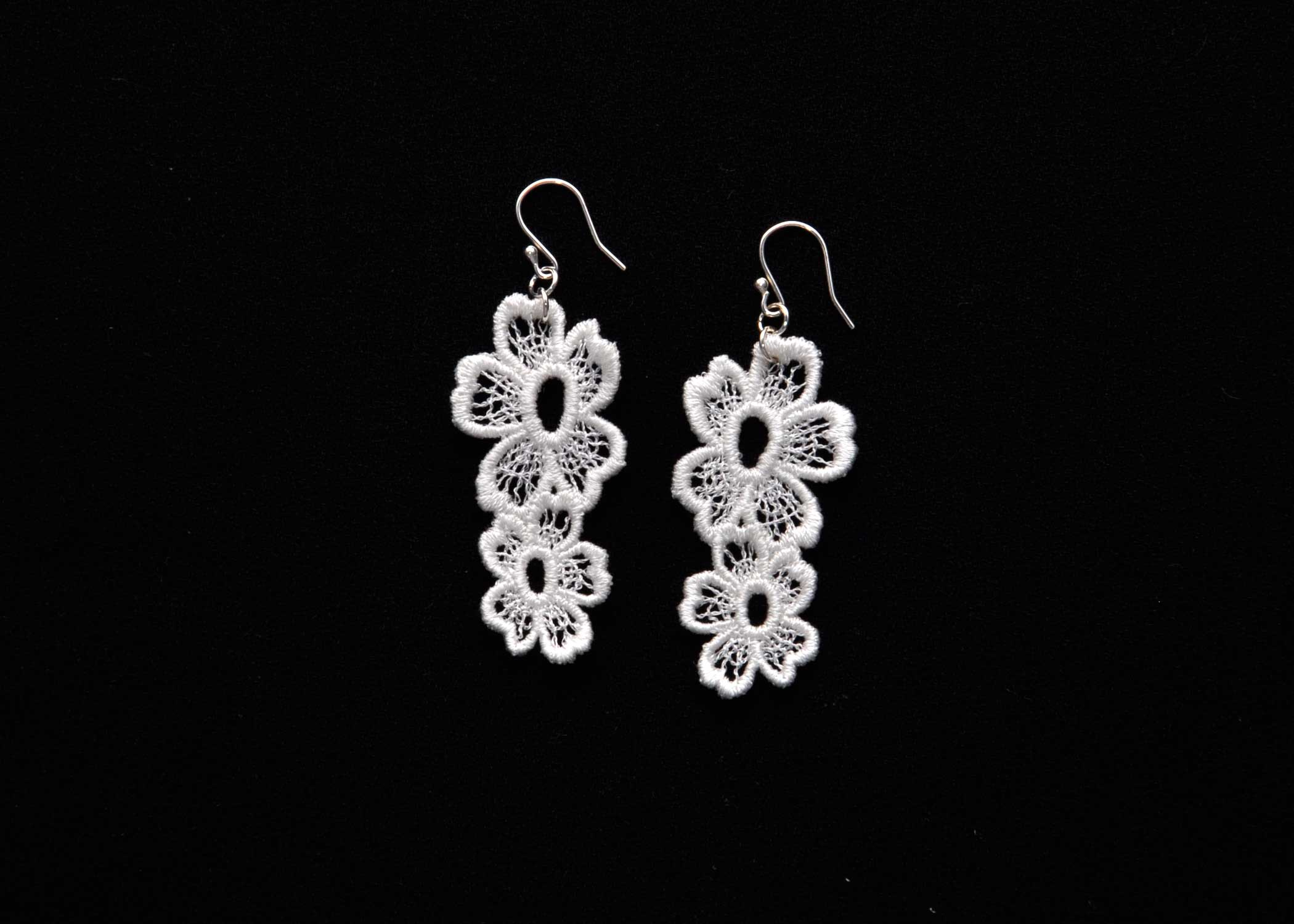 Lace-Earring-E7-Soft-White