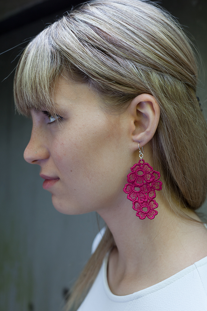 Lace Earring E11 Raspberry