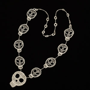 Lace Skull Chain