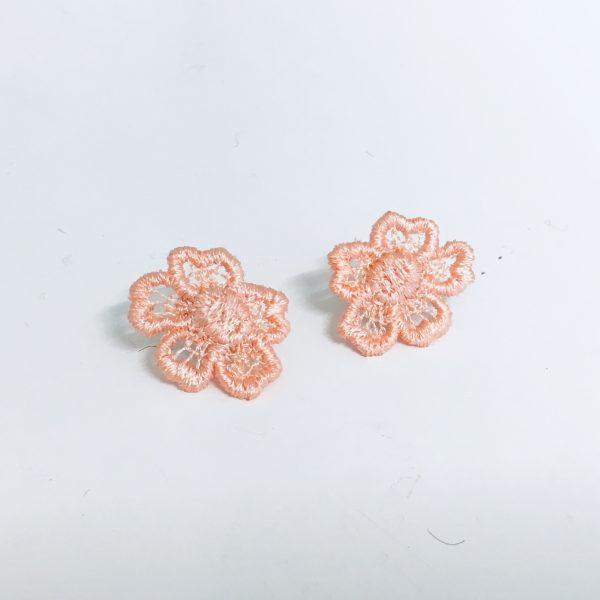 Daisy Dreamer stud earring peach