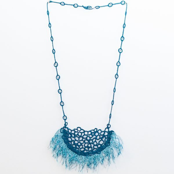 Fringe necklace peacock