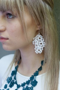 Lace Earring E11 Soft White